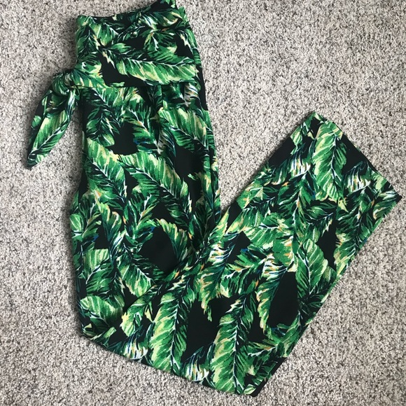 Gianni Bini Pants - EUC Gianni Bini palm pants - tie waist, size 2